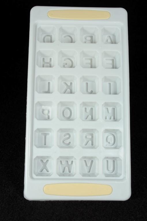 Plastová forma na ľad abeceda, zelená farba